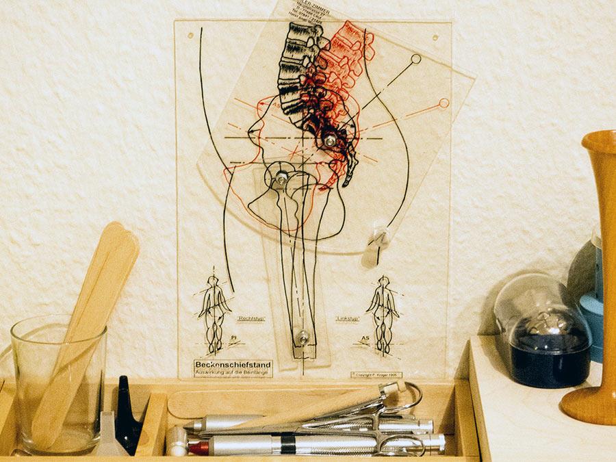 Wirbelsäule: Behandlung nach Dorn-Beuß. Heilpraktikerin Andrea Plogmann Bottrop